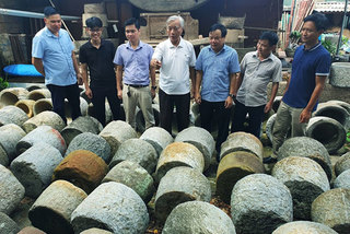 Stone grinder collection tells part of Vietnamese culture