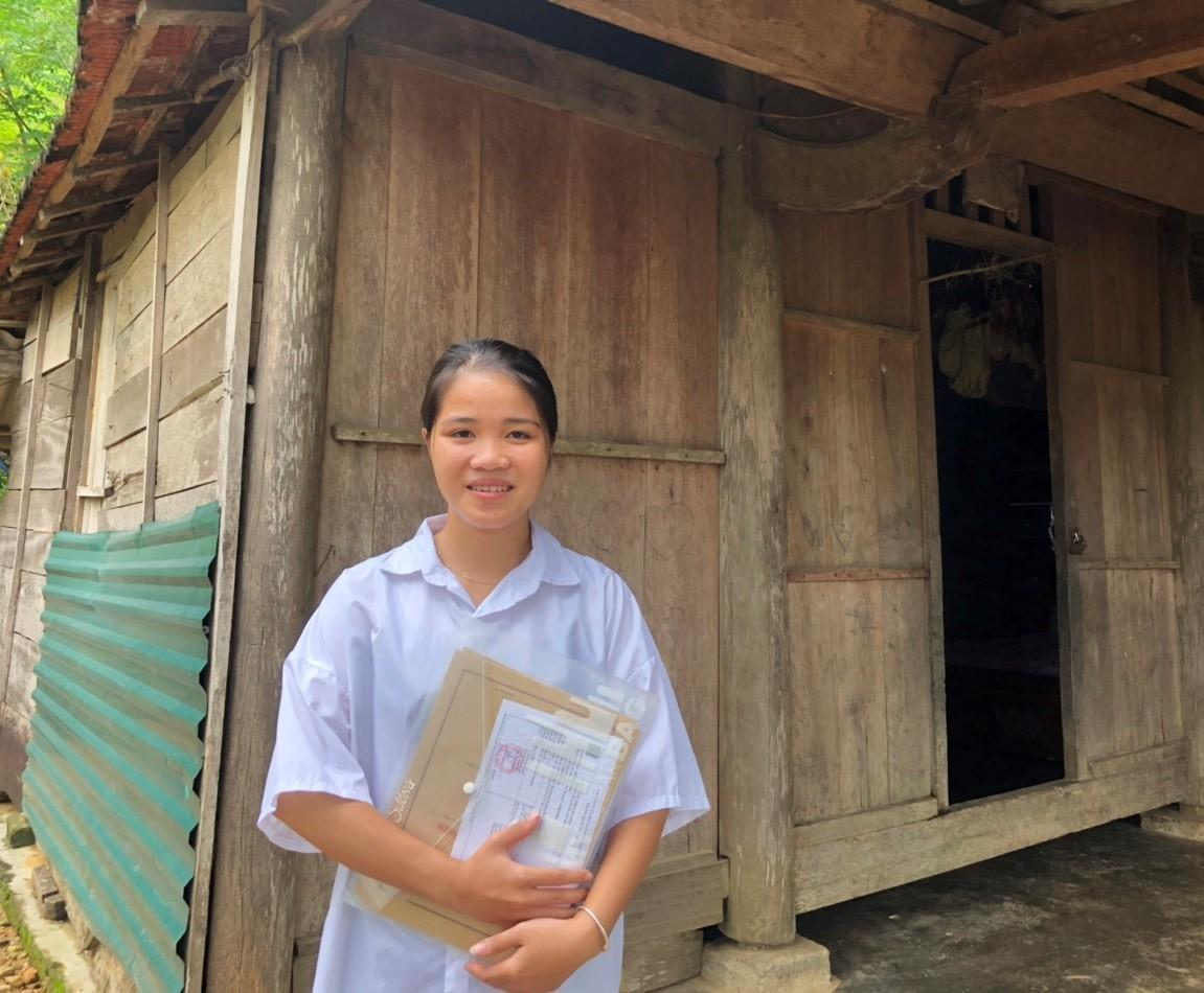 Cô gái dân tộc Chứt đầu tiên ở bản Rào Tre đỗ đại học