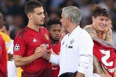Mourinho đưa trò cưng từ MU sang Roma