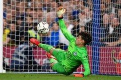Kepa giúp Chelsea thắng nghẹt thở trên chấm 11m