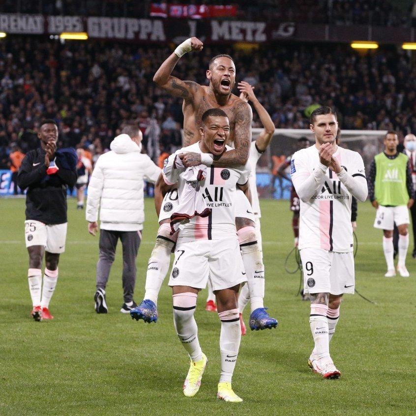 Vắng Messi, PSG thắng kịch tính nhờ siêu hậu vệ Hakimi