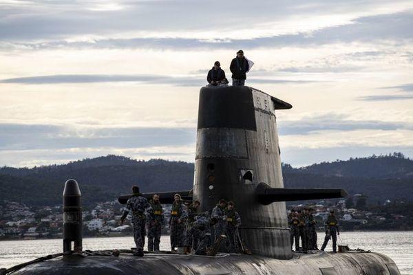 Tập đoàn đóng tàu ngầm Pháp yêu cầu Australia bồi thường