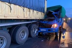 Tài xế xe tải tử vong, mắc kẹt trong ca bin sau tai nạn
