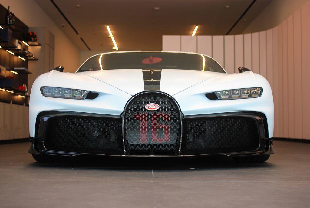 Bảo dưỡng siêu xe Bugatti tốn ít nhất 100.000 USD
