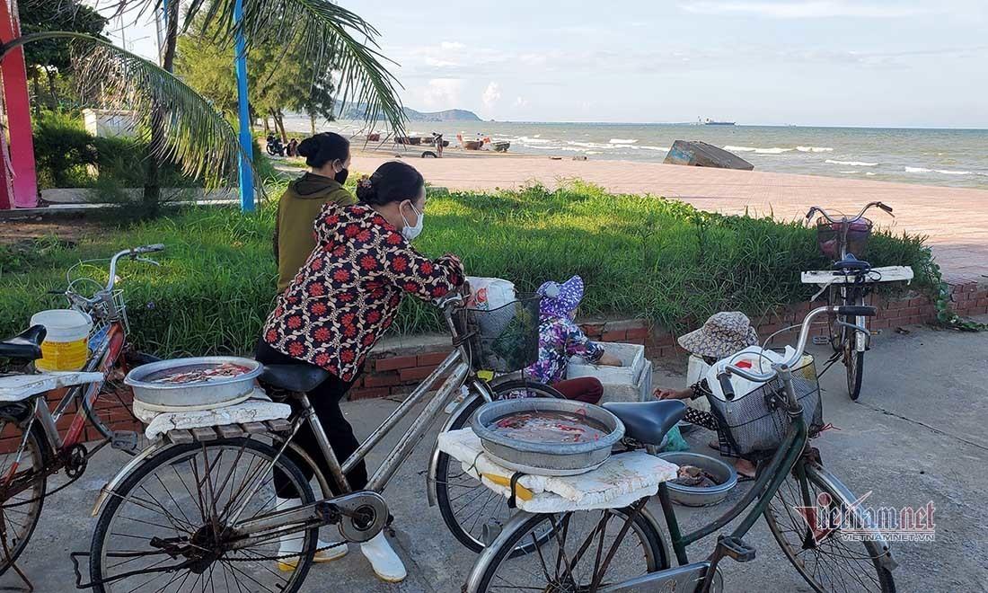 Nghệ An cho phép nhiều địa phương bán hàng ăn uống trở lại
