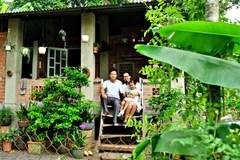 Chồng bỏ việc về quê, xây nhà vườn đẹp lung linh cho vợ nghỉ dưỡng chữa ung thư