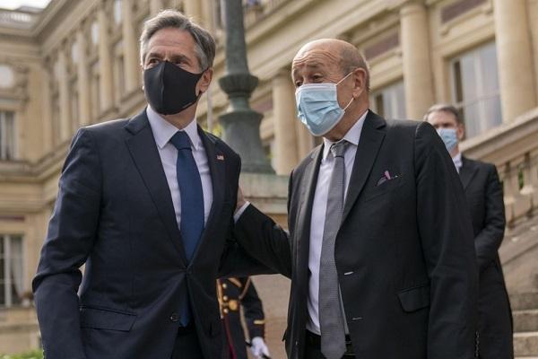 """Ngoại trưởng Pháp-Mỹ gặp nhau để """"xây dựng lại niềm tin"""""""