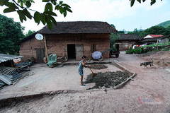 """Unique """"trinh tuong"""" houses of Tay and Nung people"""