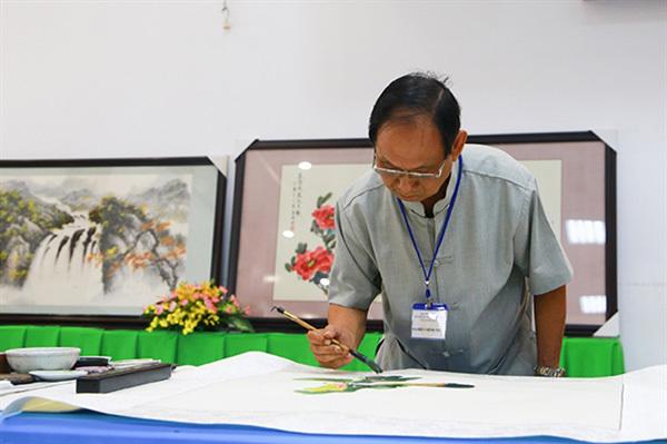 Thuy macartist, film director die in HCM City