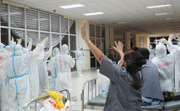 HCM City to shut some COVID field hospitals as patient numbers dwindle amid hometreatment