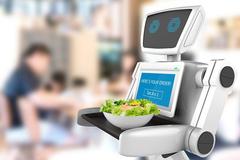 Quán nhậu Nhật tuyển robot làm nhân viên cầm cự qua mùa dịch