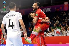 """Thắng """"điên rồ"""", Iran là đội châu Á duy nhất vào tứ kết World Cup Futsal"""