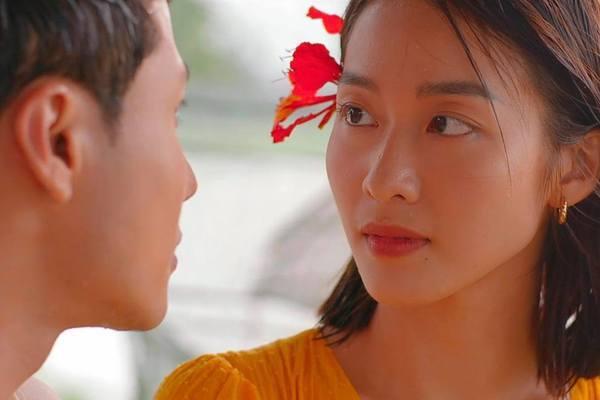 Người tình màn ảnh toàn hotgirl 9X của Thanh Sơn