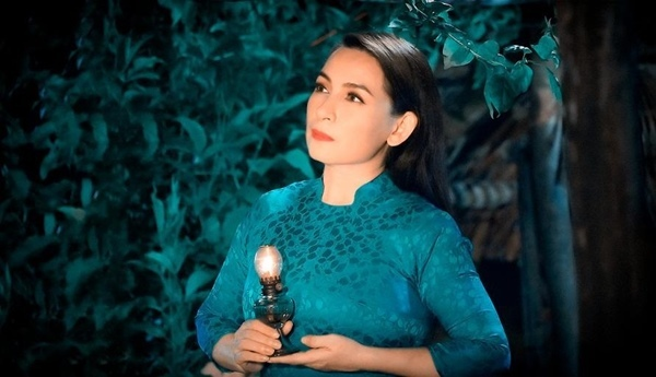 Những ca khúc gây xúc động qua giọng hát Phi Nhung