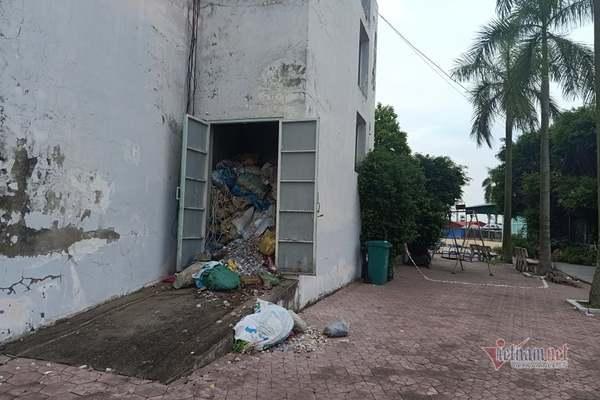 Bệnh nhân chết tại kho rác, lãnh đạo Trung tâm Y tế nghi do tự ngã
