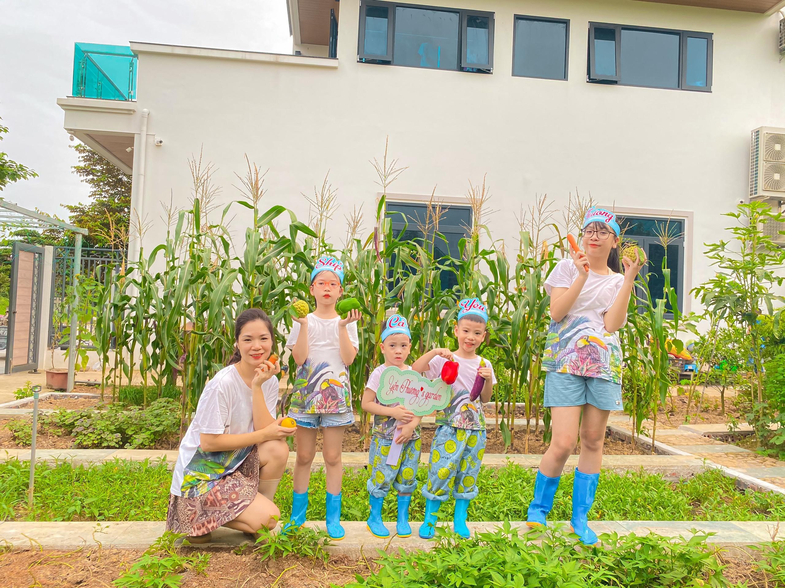Mẹ biến 300 m2 vườn thành khu du lịch, 'mở tour 0 đồng' cho 4 con mùa dịch