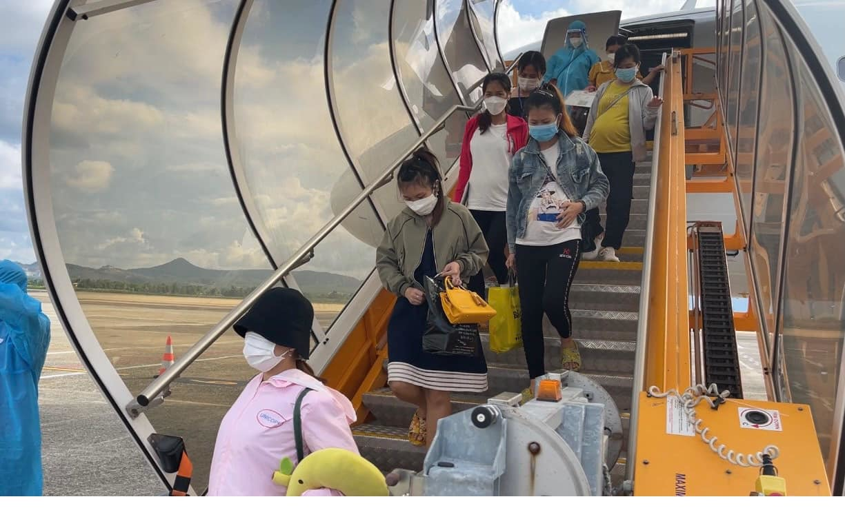 Quảng Ngãi đón 300 phụ nữ và trẻ em ở các tỉnh phía Nam về quê