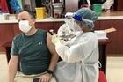 Đà Nẵng tiêm vắc xin phòng Covid-19 gần 4.000 người nước ngoài