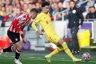 Brentford 0-0 Liverpool: Đôi công siêu hấp dẫn (H1)