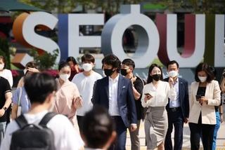 Hàn Quốc ghi nhận kỷ lục buồn Covid-19, Campuchia lo 'thảm họa' dịp lễ cổ truyền