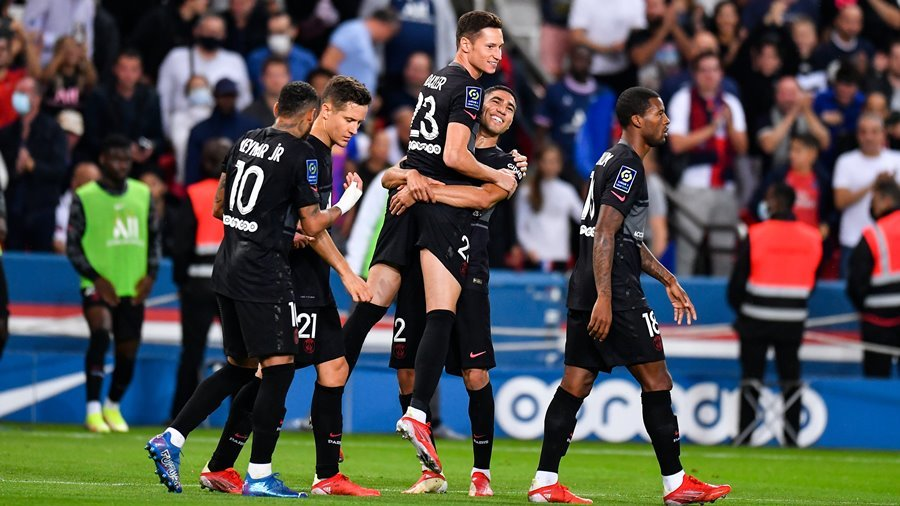 Thắng trận thứ 8 liên tiếp, PSG khiêu chiến Man City