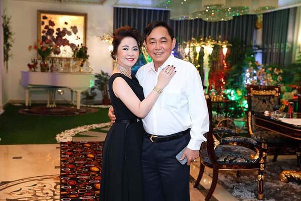"""Ông chủ Đại Nam và các con bị dân mạng tấn công khiến bà Phương Hằng viết tâm thư """"đau đến tận cùng"""" để xin lỗi chồng con"""