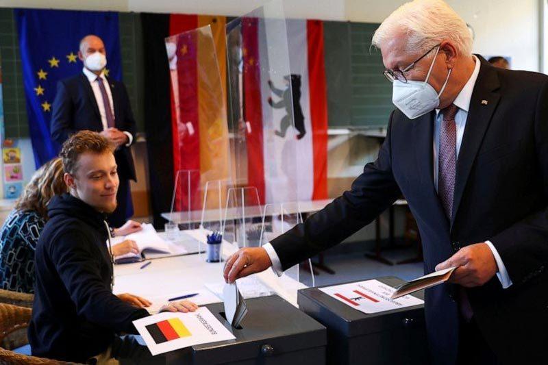 Bầu cử Đức đầy kịch tính, đảng của bà Merkel nguy cơ thua sát nút