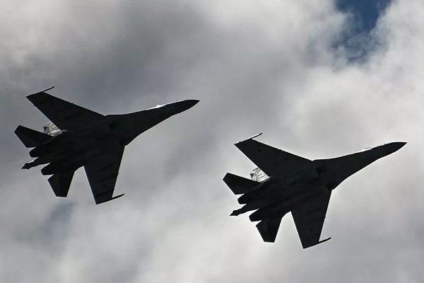 Nga điều tiêm kích xua đuổi 'pháo đài bay' Mỹ áp sát không phận