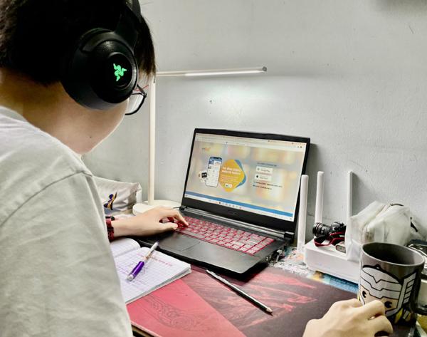'Phần mềm học trực tuyến nước ngoài không đáp ứng tiêu chuẩn học online'