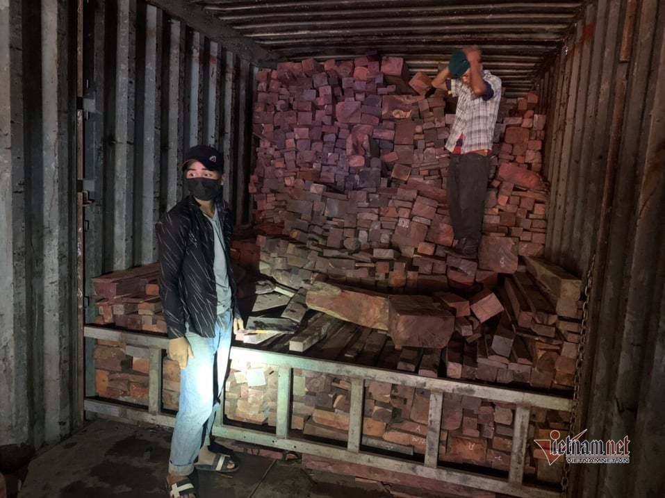 Biên phòng Quảng Trị bắt vụ buôn lậu gỗ và đá quý hơn chục tỷ đồng