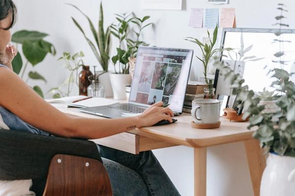'Đập tan' sự nhàm chán khi làm việc tại nhà