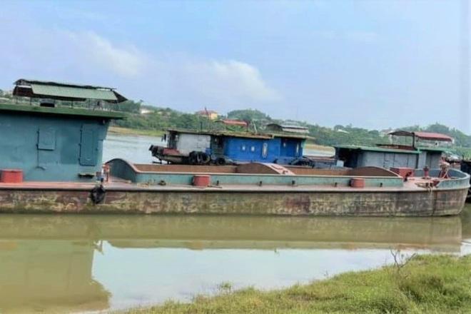 Ba cô gái trẻ 'vượt sông' từ Hà Nam về Ninh Bình để trốn khai báo y tế