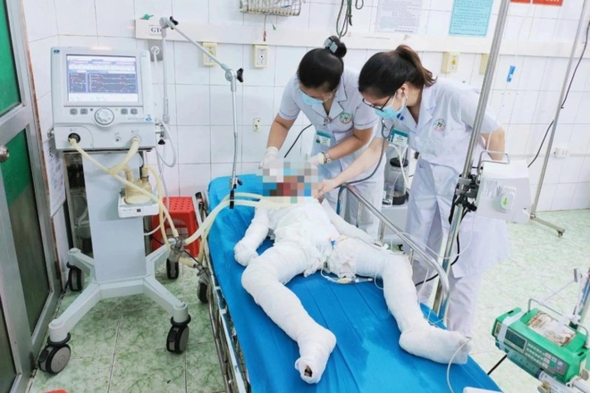 Nghi án bố đẻ dùng xăng thiêu 3 con nhỏ rồi tự tử ở Tuyên Quang