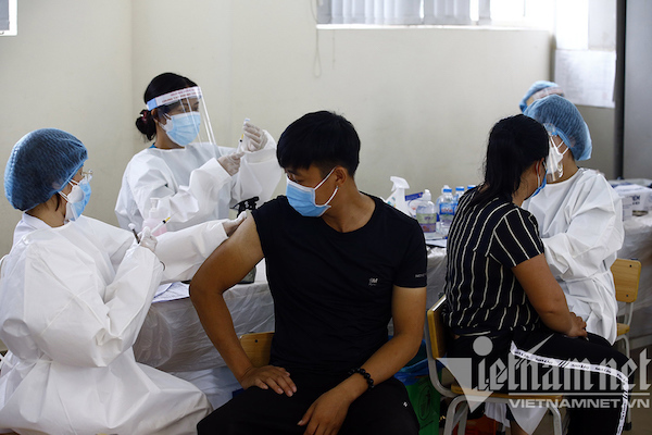 Hanoi authorities maintain consistent strategy in fighting pandemic