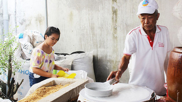 'Hu tieu' noodle production facilities become Can Tho's typical feature