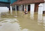 Nước lũ lên nhanh chưa từng thấy, người Nghệ An không kịp trở tay