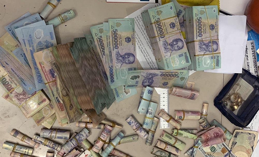 Bắt thêm nghi phạm trong đường dây đánh bạc 2.000 tỷ ở miền Tây