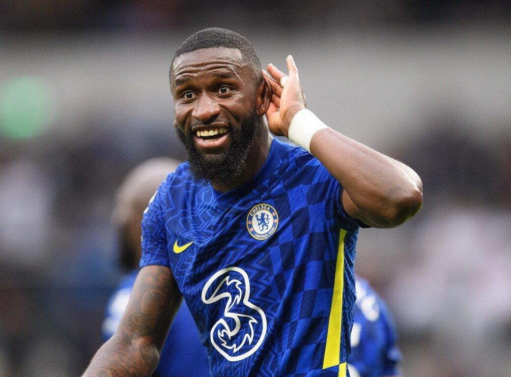 Hậu vệ hay nhất Chelsea bất ngờ dứt áo ra đi