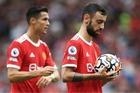 Ronaldo đá phạt đền MU, Chelsea trả kỷ lục De Ligt