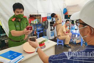 Vì sao từ tỉnh ngoài vào Hà Nội không thể khai báo y tế bằng Bluezone?