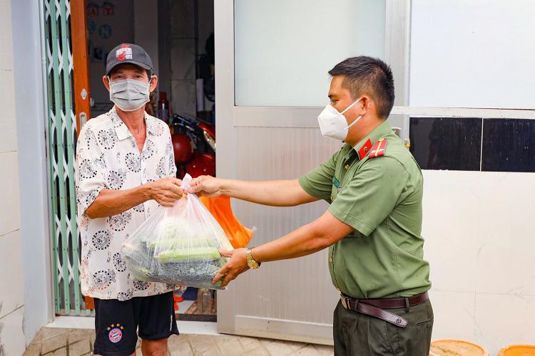 Cần Thơ hỗ trợ khẩn cấp người thiếu đói, gặp khó khăn trong dịch
