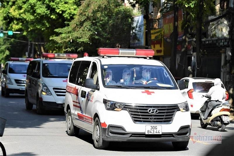 Hà Nội khẩn trương phong tỏa, đưa F0, F1 ở quận Hà Đông đi cách ly