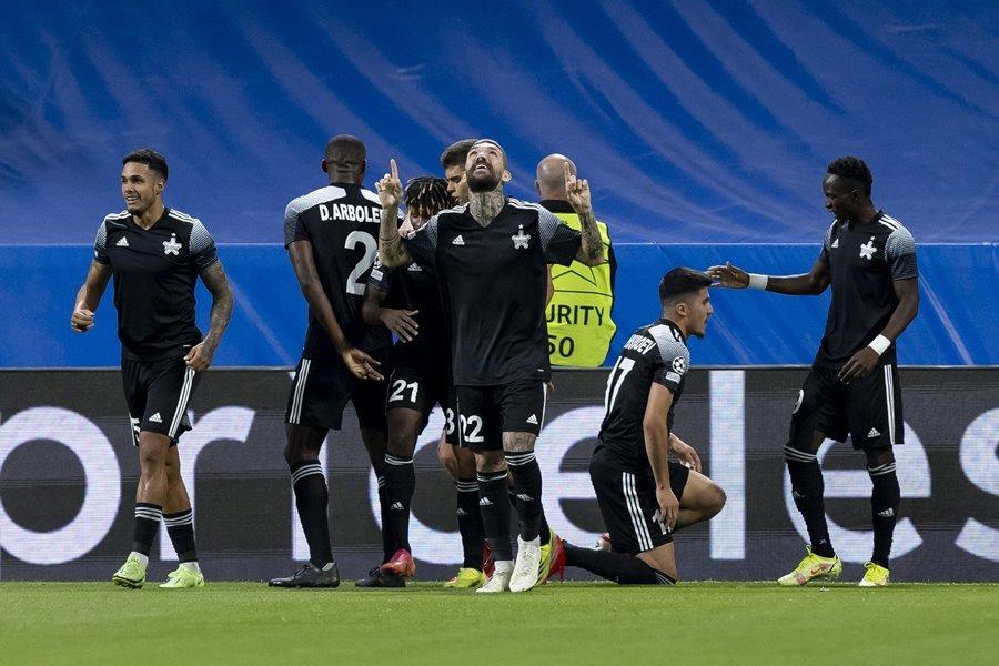 Real Madrid thua sốc đội bóng 'tí hon' ngay tại Bernabeu