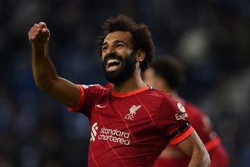 "Song sát Salah - Firmino giúp Liverpool đánh sập ""hang rồng"""