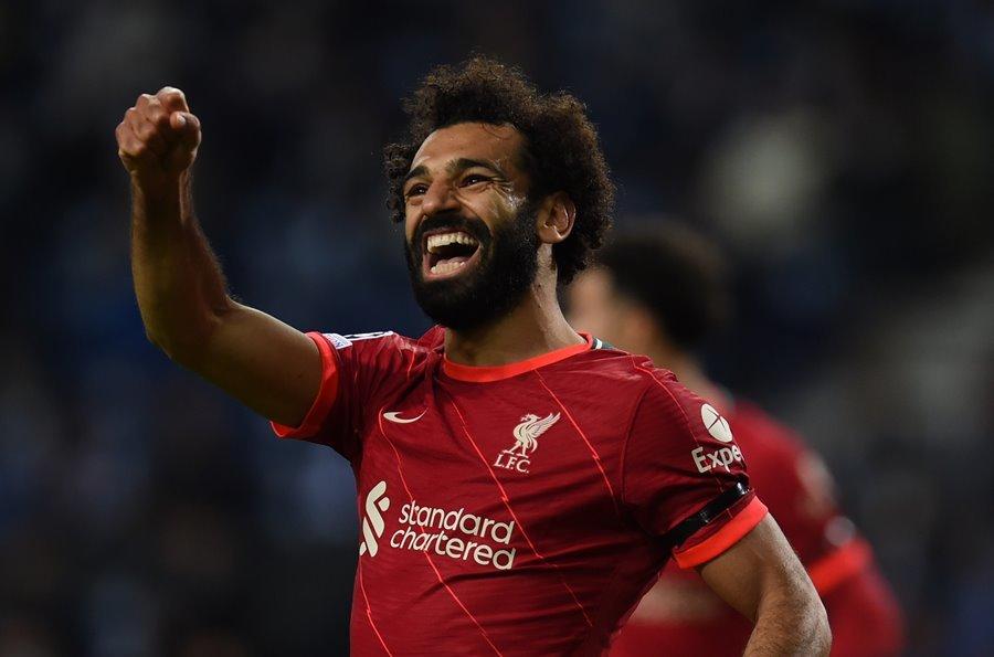 Song sát Salah - Firmino giúp Liverpool đánh sập 'hang rồng'
