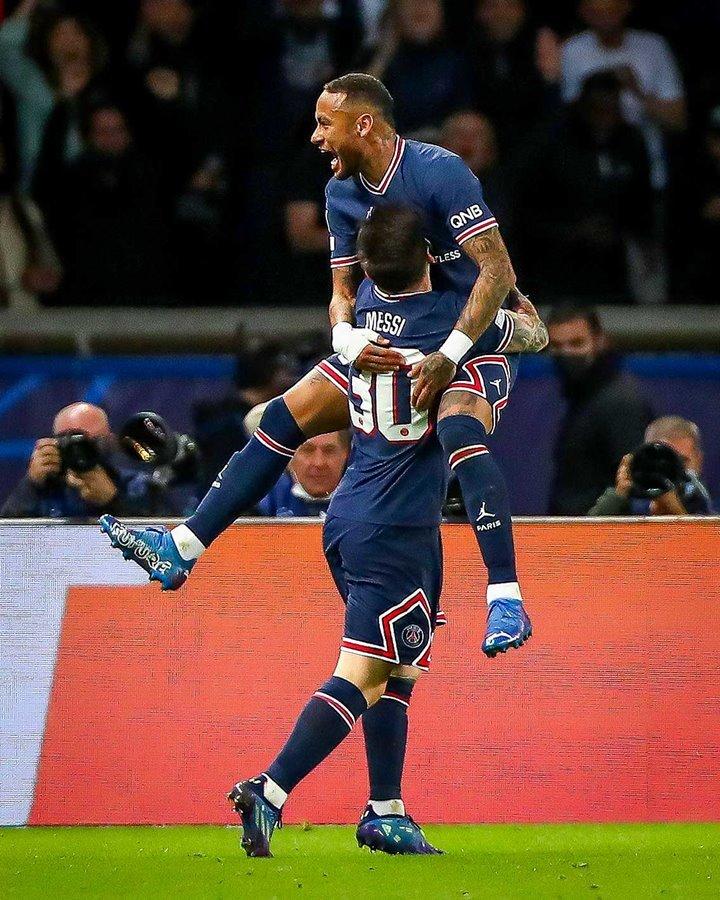 Khoảnh khắc Messi vỡ òa với tuyệt phẩm khiến Man City ôm hận
