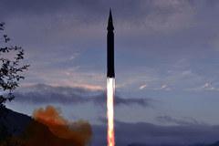 Triều Tiên tuyên bố thử thành công 'tên lửa siêu thanh'