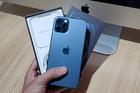iPhone 13 xách tay giá tụt dốc từng ngày