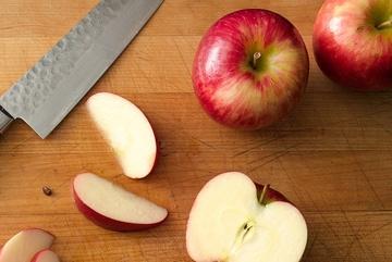 Mẹo giúp trái cây không chuyển màu nâu sau khi cắt