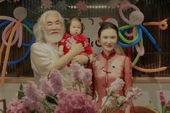 'Ông hoàng cổ trang' Trương Kỷ Trung tuổi 70 vui vì được chăm con một tuổi